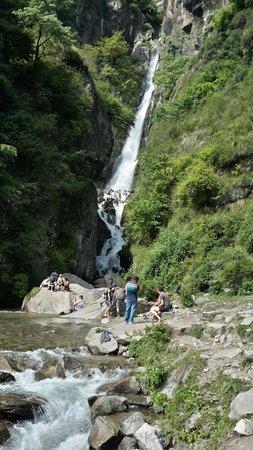 Jogini waterfall : Jugni falls. Near vashist kund
