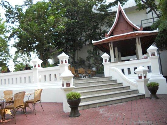 Chiang Mai Plaza Hotel : 緑の囲まれ