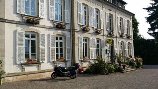Logis La Residence : Une belle bâtisse - pour de très bons services !