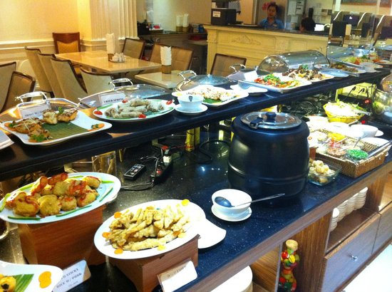 Blue Diamond Hotel : Breakfast