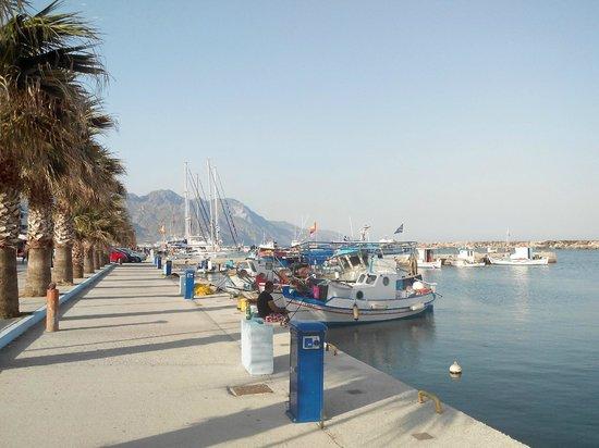 Asteras Resort: Port de Kardamena, ville juste a coté