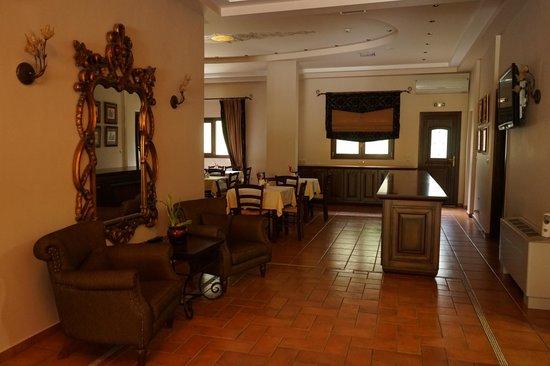 Dellas Boutique Hotel: 用餐區