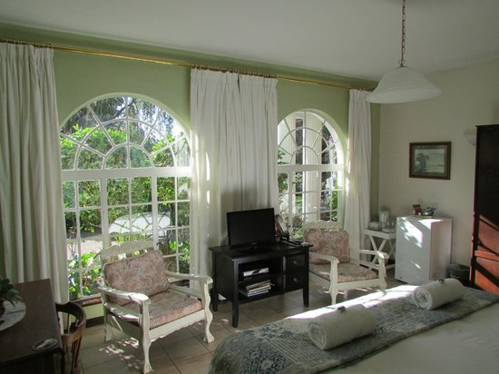 Bancroft B&B: The Family Suite - Master bedroom