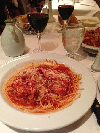 Patsy's Italian Restaurant : spaghetti