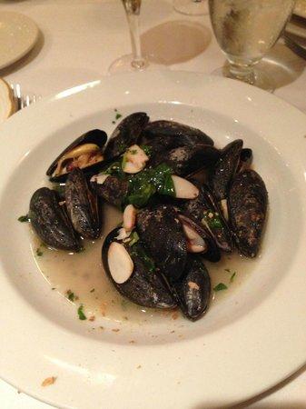 Patsy's Italian Restaurant: cozze
