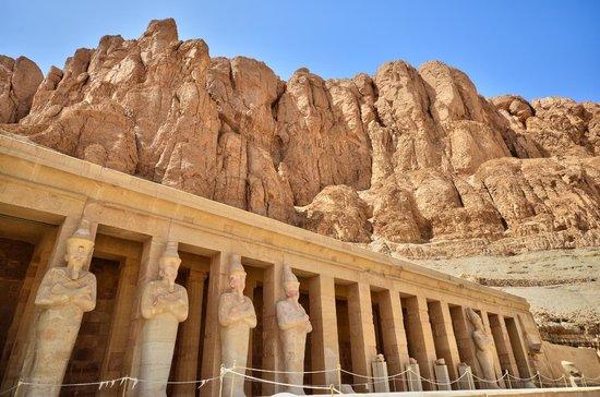 Totentempel der Hatschepsut im Deir-el-Bahari-Tal: ENTREE