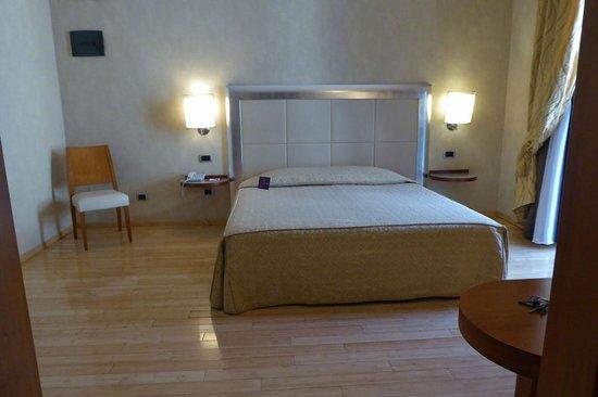 BEST WESTERN Crystal Palace Hotel : Schöne große Zimmer