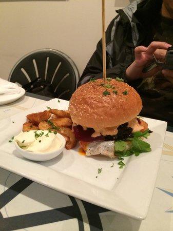 Pasini's Cafe: Bicheno butcher's burger