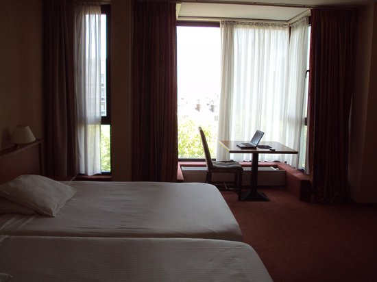 Hotel Brussels: beds