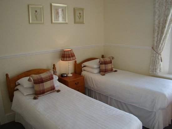 St. Johns Guest House: One of our twin bed guest bedrooms