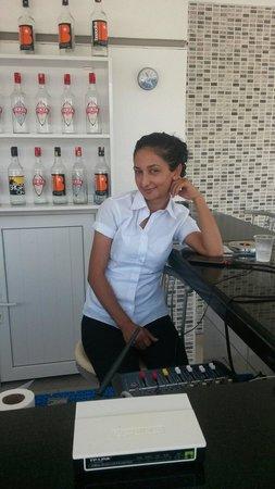 Konakli Nergis Hotel: Asli our lovely waitress and barmaid