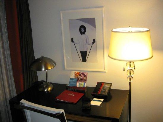 Sky Hotel - a Kimpton Hotel: Room