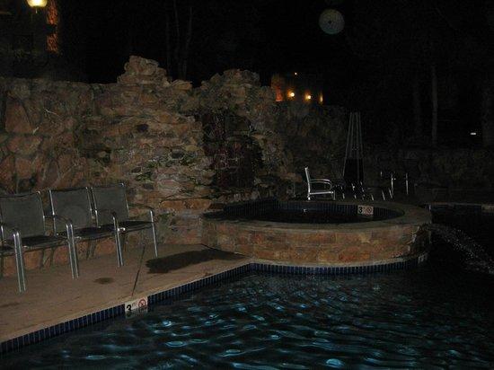 Sky Hotel - a Kimpton Hotel : Hot Tub