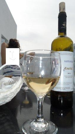 Santorini Kastelli Resort: Complimentary wine
