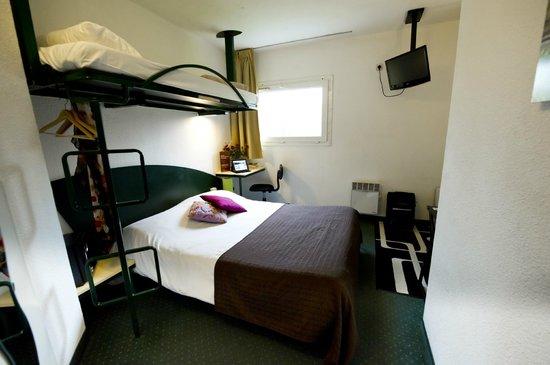 cerise auxerre hotel mon teau france voir les tarifs 139 avis et 33 photos. Black Bedroom Furniture Sets. Home Design Ideas
