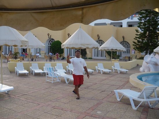Ramada Liberty Resort Hotel : Bademeister 2014