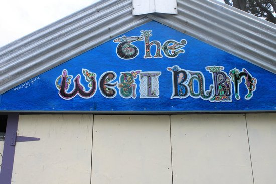 The WhiteHouse Gallery and Wine Bar: The West Barn - Our new cultural venue