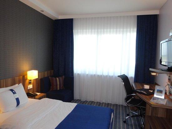 Holiday Inn Express Bremen Airport: Номер