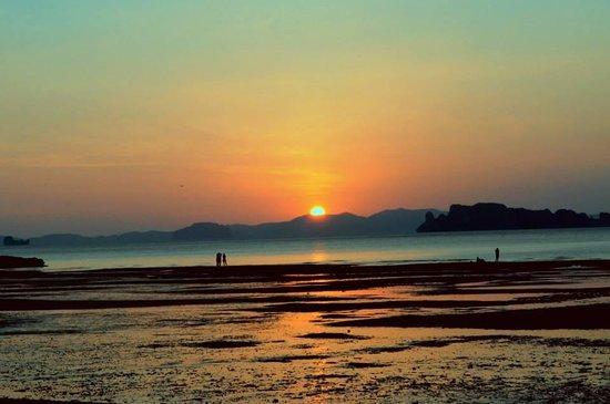 Tup Kaek Sunset Beach Resort : playa