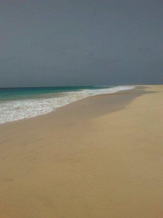 VOI Vila do Farol : Spiaggia davanti al Do Farol.  Giugno 2014