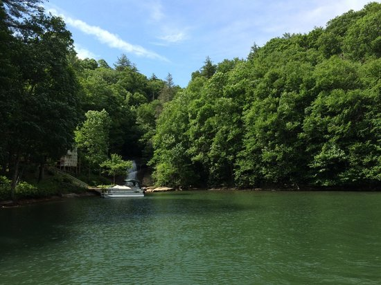 Lake Glenville : One of a few waterfalls.
