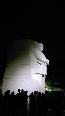 Monuments by Moonlight Night Tour: Martin Luther King Jr Memorial