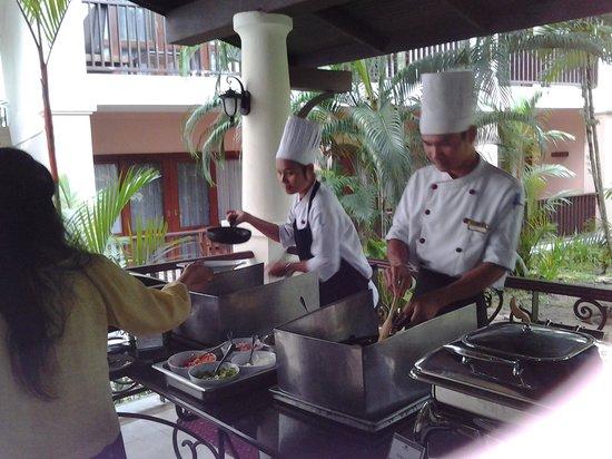 Duangjitt Resort & Spa: the cooks