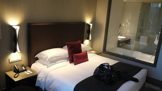 Carlton City Hotel Singapore: Deluxe suite