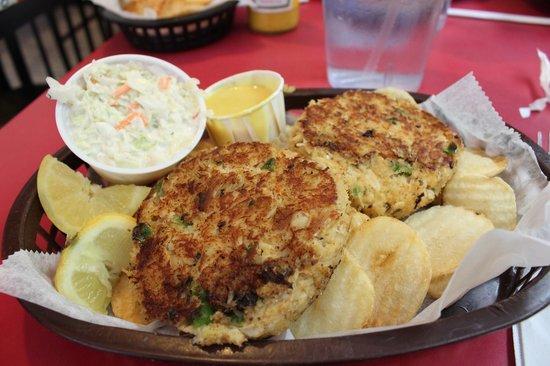 Mrs. Mac's Kitchen: Crab cakes