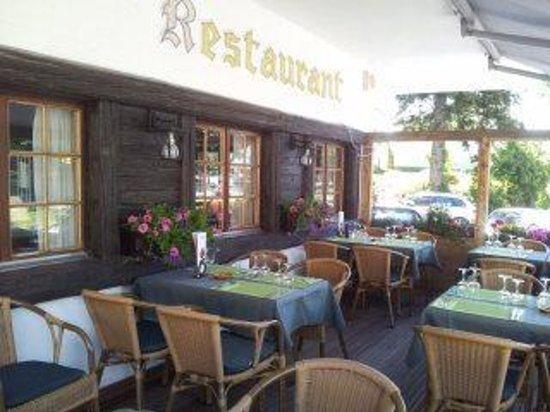 Au Greni : La terrasse du restaurant Gréni