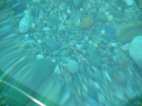 White Beach : The pebbles seen through the water