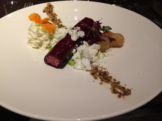 Petrichor at the Cavendish London: Beetroot cannelloni