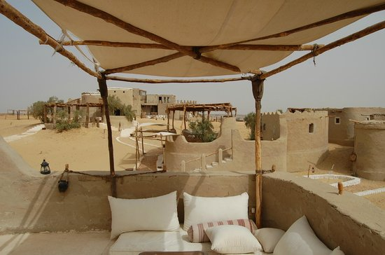 Farafra, Mısır: lodge ecolo avec opiscine svp !