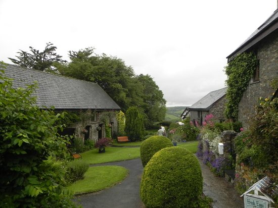 Country Ways Holiday Cottages: View of cottage complex