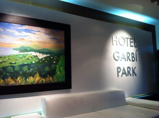 Hotel Garbi Park: лобби