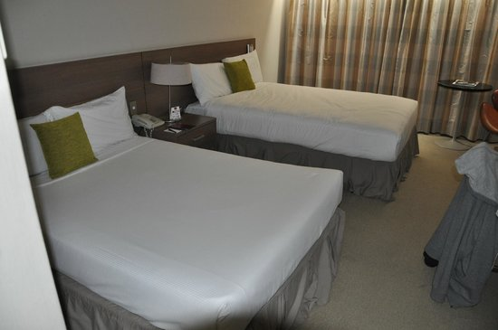 Mercure Resort Queenstown: Two different mattress types. A low very bad one and taller (good) one.