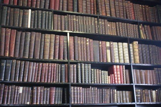 Chetham's Library: книги