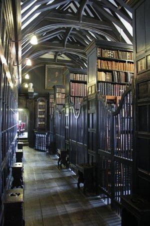 Chetham's Library: коридор
