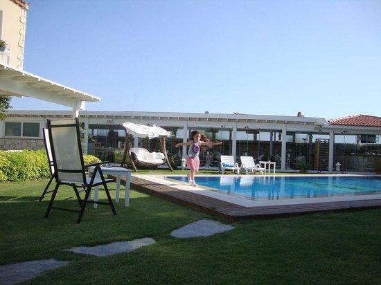 Panda Alacati Hotel: Küçük ama temiz bir havuz