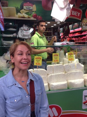 Turkish Flavours: Taci, our wonderful guide, introduces us to Turkish cheese.