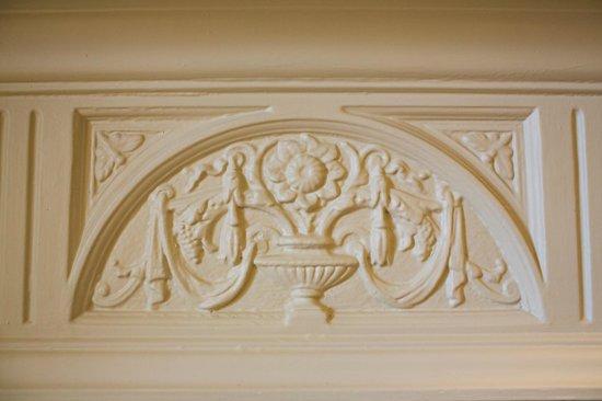 Houndgate Townhouse: Room Eight Original Fireplace
