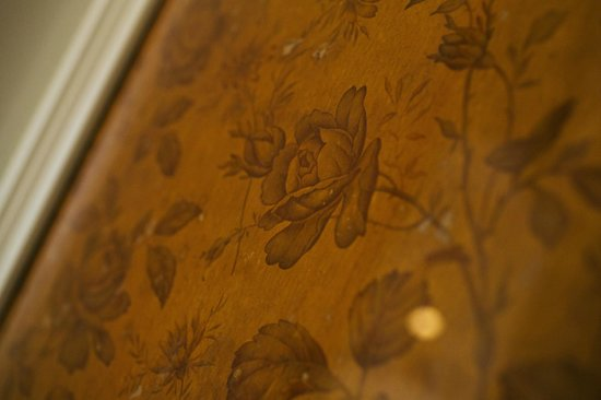Houndgate Townhouse: Room Eight Original Wallpaper
