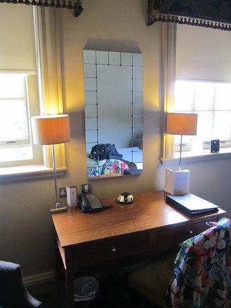 Crathorne Hall Hotel: Good room facilities