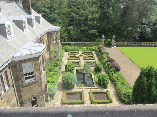 Crathorne Hall Hotel: View of part of the gardens from our room