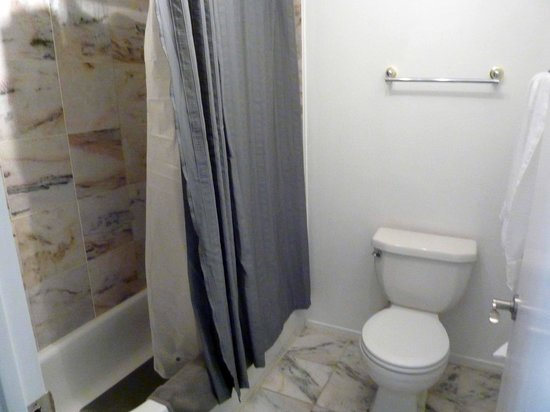 Sheridan House Inn: baño