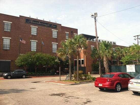Ansonborough Inn: The entry faces the street, with easy access to the $15/night parking lot.