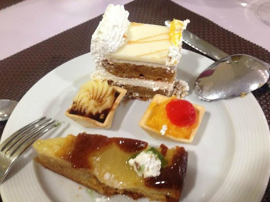 Servigroup Pueblo Benidorm: Beautiful selection of puddings