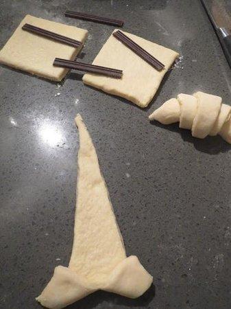 La Cuisine Paris - Cooking Classes: rolling up pastries