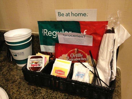 Homewood Suites Tampa Brandon: Popcorn, coffee