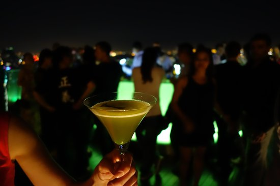 lebua at State Tower: Drink Rooftopbar